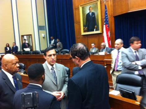 Rep. Darrell Issa (R-Ca.) meets with D.C. Mayor Vincent Gray at the May 12 hearing on the city's finances.