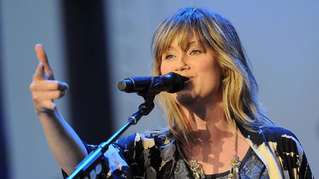 Country singer Nettles will perform a tribute to Afghanistan veterans.