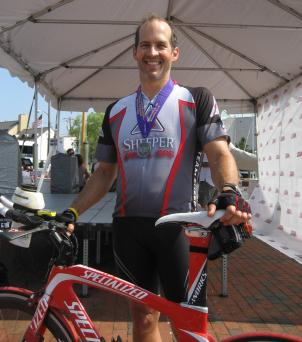 Eduardo Llach, one of the racers who biked across America, arrives in Annapolis.
